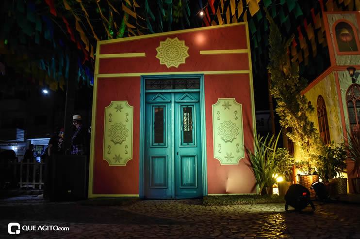 Diversas atrações se apresentaram na primeira noite da Vila do Forró em Eunápolis 53