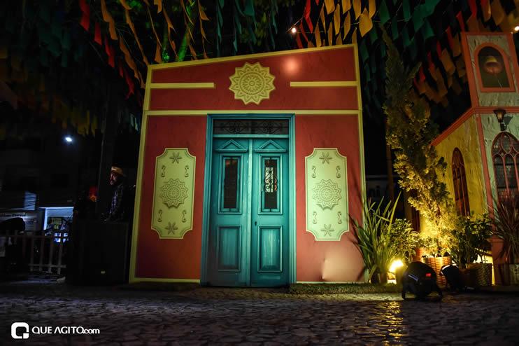 Diversas atrações se apresentaram na primeira noite da Vila do Forró em Eunápolis 57