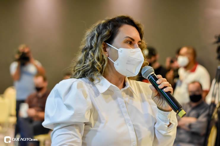 Prefeita Cordélia anuncia durante coletiva de imprensa, a Live São João se Encontra com Pedrão em Eunápolis 70