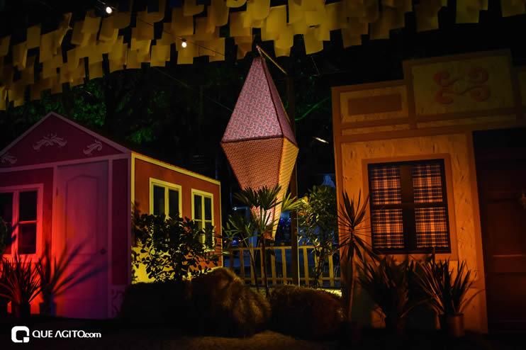 Diversas atrações se apresentaram na primeira noite da Vila do Forró em Eunápolis 56