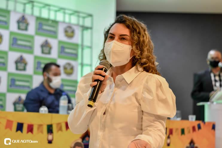 Prefeita Cordélia anuncia durante coletiva de imprensa, a Live São João se Encontra com Pedrão em Eunápolis 72