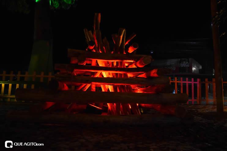 Diversas atrações se apresentaram na primeira noite da Vila do Forró em Eunápolis 58