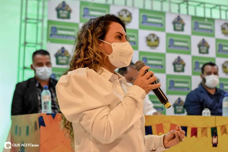 Prefeita Cordélia anuncia durante coletiva de imprensa, a Live São João se Encontra com Pedrão em Eunápolis 73