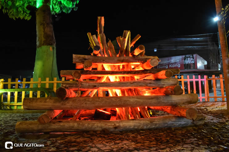 Diversas atrações se apresentaram na primeira noite da Vila do Forró em Eunápolis 60