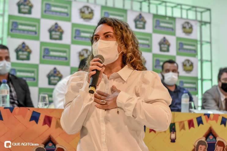Prefeita Cordélia anuncia durante coletiva de imprensa, a Live São João se Encontra com Pedrão em Eunápolis 71