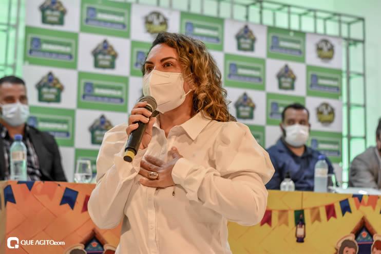 Prefeita Cordélia anuncia durante coletiva de imprensa, a Live São João se Encontra com Pedrão em Eunápolis 76