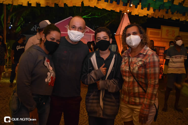 Diversas atrações se apresentaram na primeira noite da Vila do Forró em Eunápolis 66