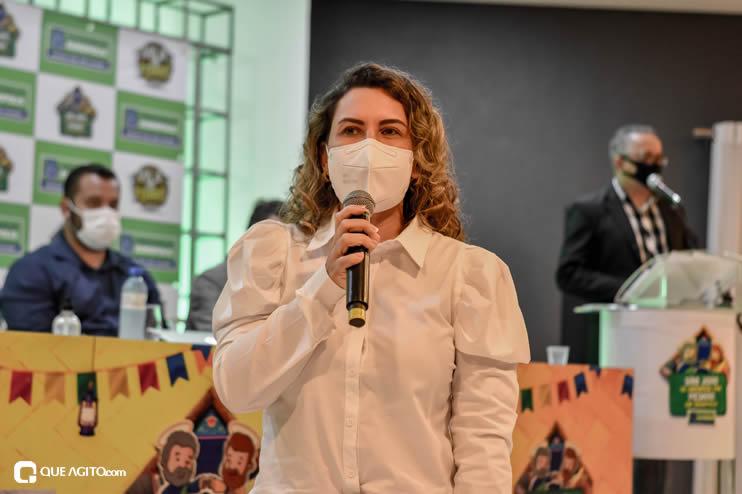 Prefeita Cordélia anuncia durante coletiva de imprensa, a Live São João se Encontra com Pedrão em Eunápolis 74