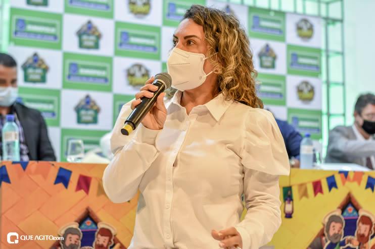 Prefeita Cordélia anuncia durante coletiva de imprensa, a Live São João se Encontra com Pedrão em Eunápolis 80
