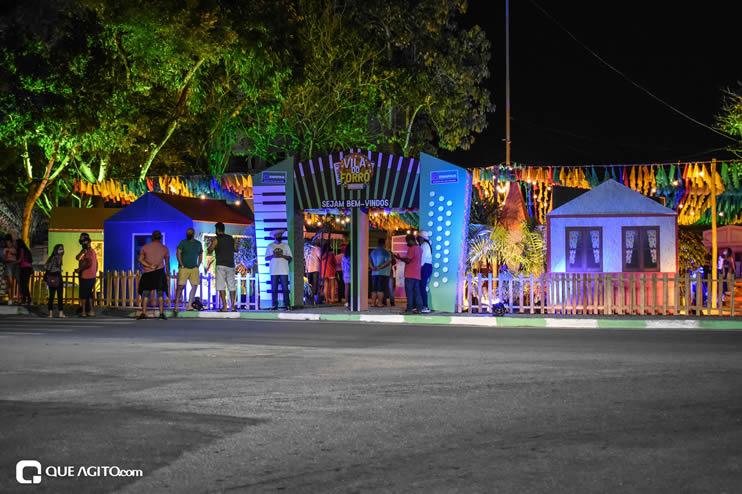 Diversas atrações se apresentaram na primeira noite da Vila do Forró em Eunápolis 71