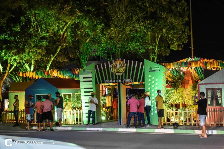 Diversas atrações se apresentaram na primeira noite da Vila do Forró em Eunápolis 72