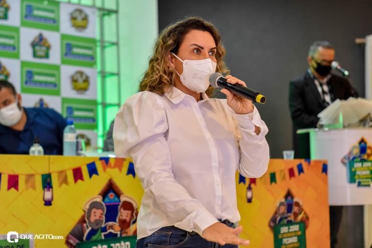 Prefeita Cordélia anuncia durante coletiva de imprensa, a Live São João se Encontra com Pedrão em Eunápolis 81