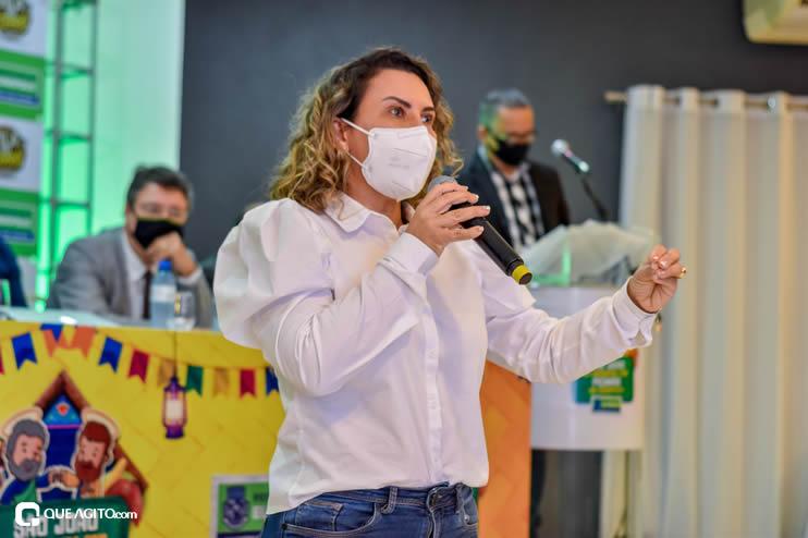 Prefeita Cordélia anuncia durante coletiva de imprensa, a Live São João se Encontra com Pedrão em Eunápolis 83