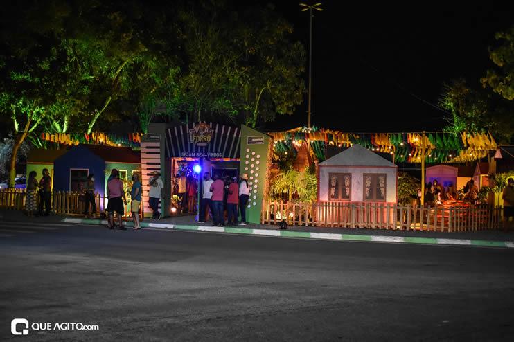Diversas atrações se apresentaram na primeira noite da Vila do Forró em Eunápolis 73