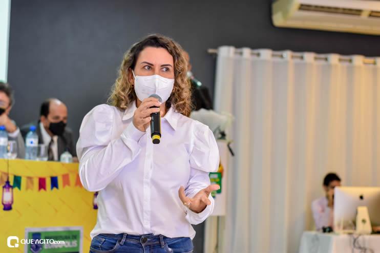 Prefeita Cordélia anuncia durante coletiva de imprensa, a Live São João se Encontra com Pedrão em Eunápolis 86