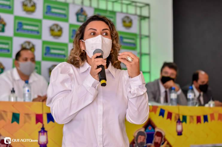 Prefeita Cordélia anuncia durante coletiva de imprensa, a Live São João se Encontra com Pedrão em Eunápolis 85