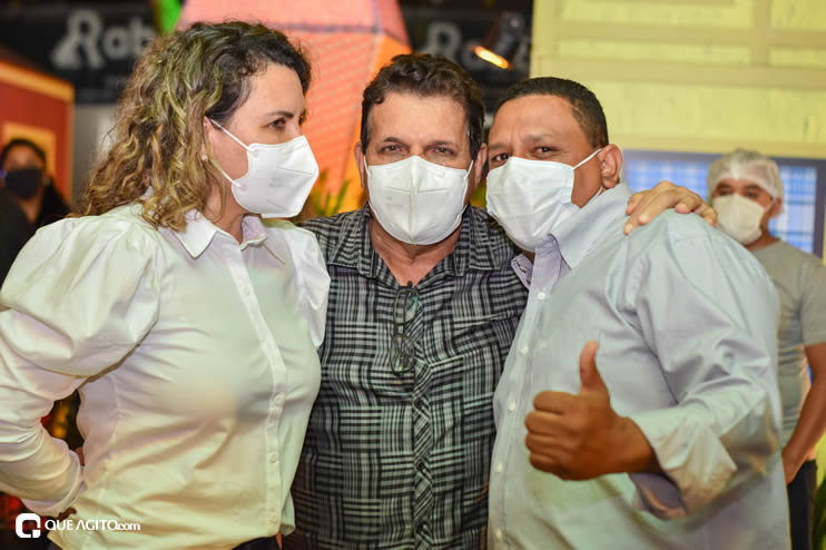 Prefeita Cordélia anuncia durante coletiva de imprensa, a Live São João se Encontra com Pedrão em Eunápolis 99