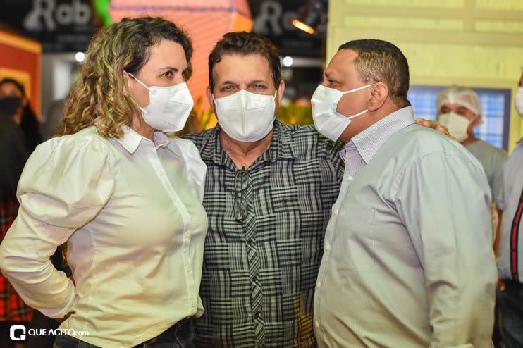 Prefeita Cordélia anuncia durante coletiva de imprensa, a Live São João se Encontra com Pedrão em Eunápolis 100