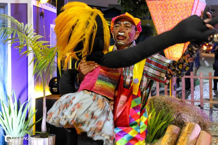 Diversas atrações se apresentaram na primeira noite da Vila do Forró em Eunápolis 76