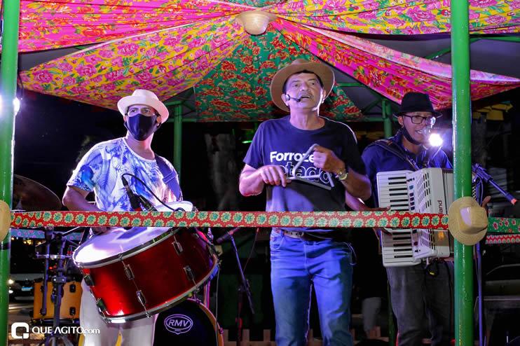Diversas atrações se apresentaram na primeira noite da Vila do Forró em Eunápolis 77
