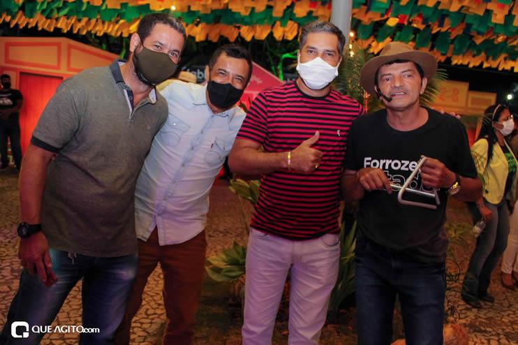 Diversas atrações se apresentaram na primeira noite da Vila do Forró em Eunápolis 84