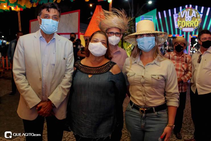 Diversas atrações se apresentaram na primeira noite da Vila do Forró em Eunápolis 90