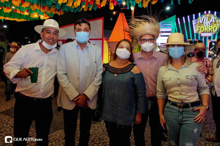 Diversas atrações se apresentaram na primeira noite da Vila do Forró em Eunápolis 91