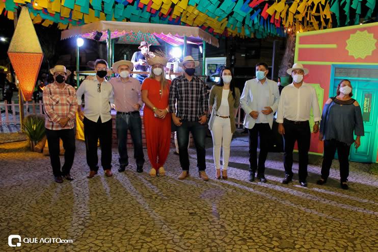 Diversas atrações se apresentaram na primeira noite da Vila do Forró em Eunápolis 113