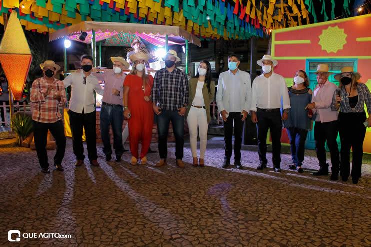 Diversas atrações se apresentaram na primeira noite da Vila do Forró em Eunápolis 111