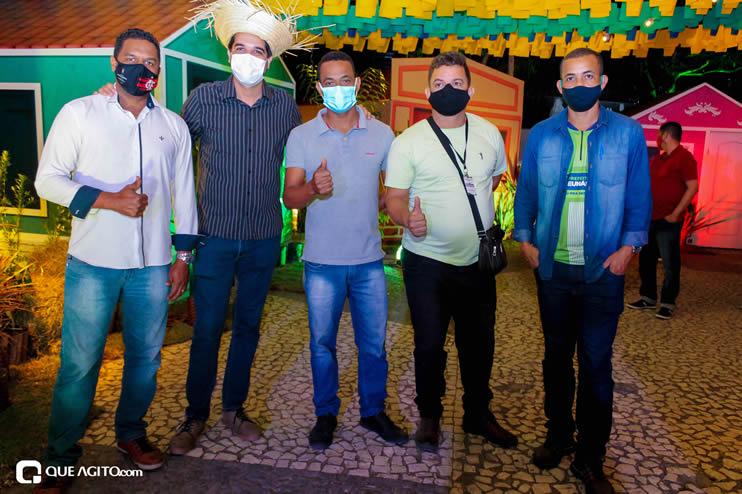 Diversas atrações se apresentaram na primeira noite da Vila do Forró em Eunápolis 121