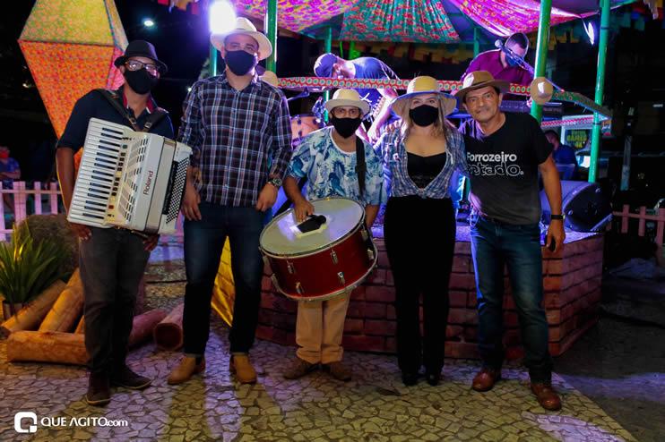 Diversas atrações se apresentaram na primeira noite da Vila do Forró em Eunápolis 135