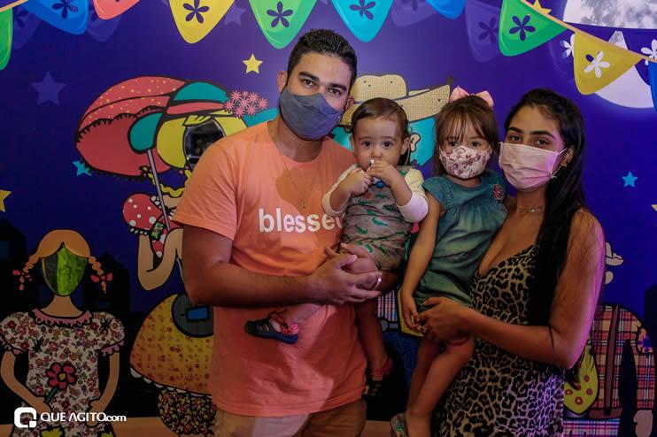 Diversas atrações se apresentaram na primeira noite da Vila do Forró em Eunápolis 124