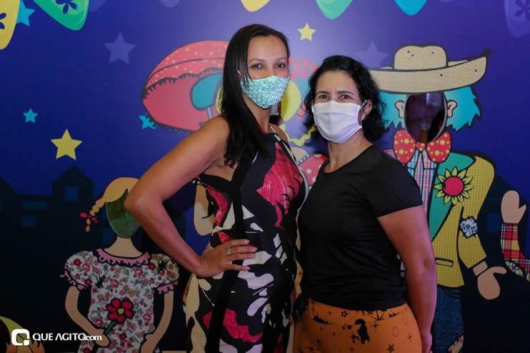 Diversas atrações se apresentaram na primeira noite da Vila do Forró em Eunápolis 115