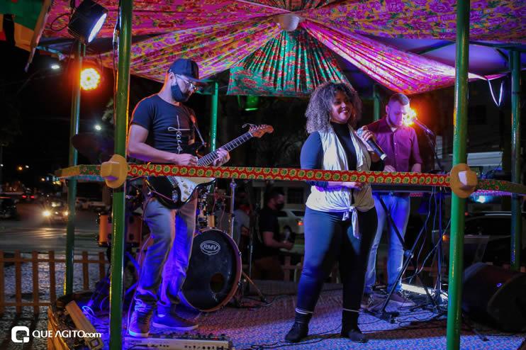 Diversas atrações se apresentaram na primeira noite da Vila do Forró em Eunápolis 114
