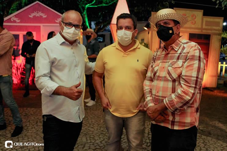 Diversas atrações se apresentaram na primeira noite da Vila do Forró em Eunápolis 131