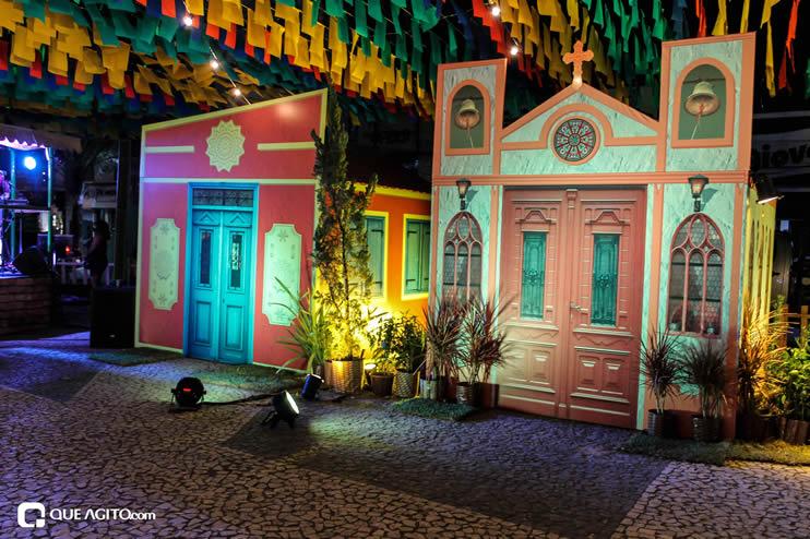 Diversas atrações se apresentaram na primeira noite da Vila do Forró em Eunápolis 133