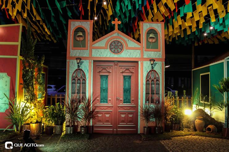 Diversas atrações se apresentaram na primeira noite da Vila do Forró em Eunápolis 137