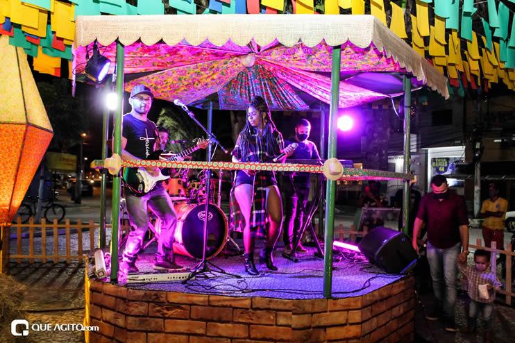 Diversas atrações se apresentaram na primeira noite da Vila do Forró em Eunápolis 104