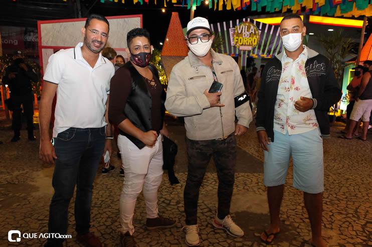 Diversas atrações se apresentaram na primeira noite da Vila do Forró em Eunápolis 107