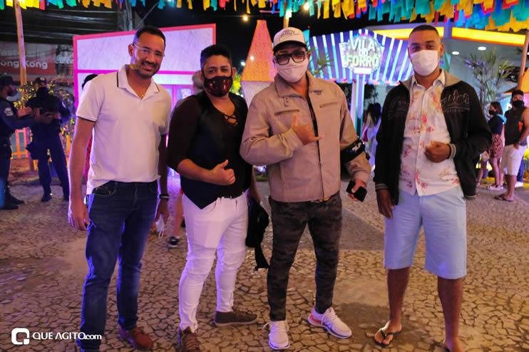 Diversas atrações se apresentaram na primeira noite da Vila do Forró em Eunápolis 108