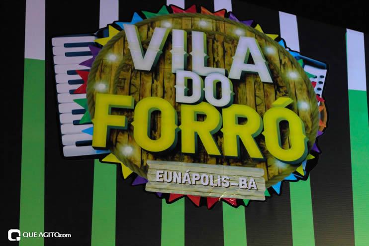 Diversas atrações se apresentaram na primeira noite da Vila do Forró em Eunápolis 109
