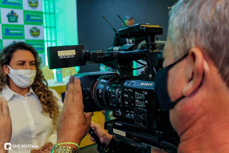 Prefeita Cordélia anuncia durante coletiva de imprensa, a Live São João se Encontra com Pedrão em Eunápolis 115