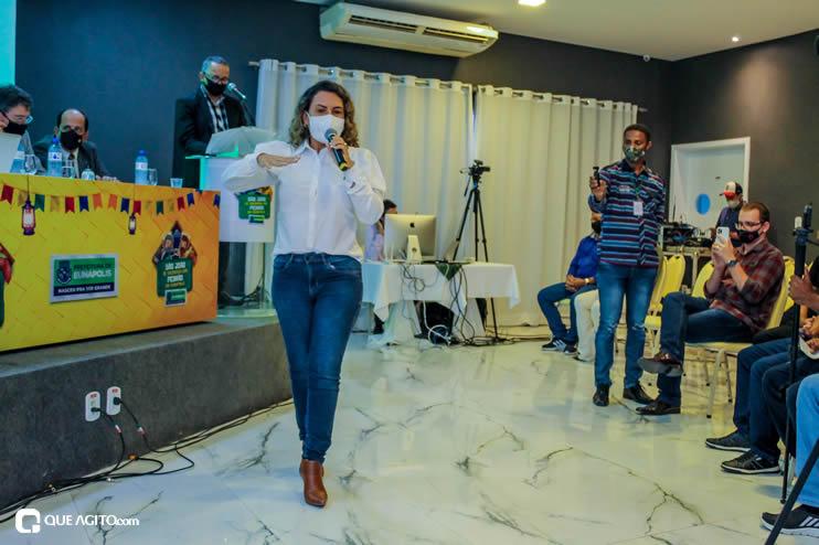 Prefeita Cordélia anuncia durante coletiva de imprensa, a Live São João se Encontra com Pedrão em Eunápolis 123