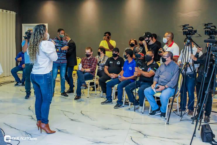 Prefeita Cordélia anuncia durante coletiva de imprensa, a Live São João se Encontra com Pedrão em Eunápolis 124