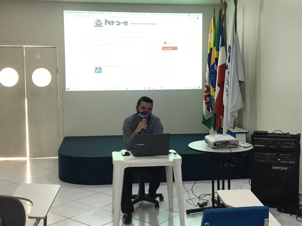 Teve início nessa terça, em Eunápolis, o treinamento do novo sistema de emissão de nota fiscal 21