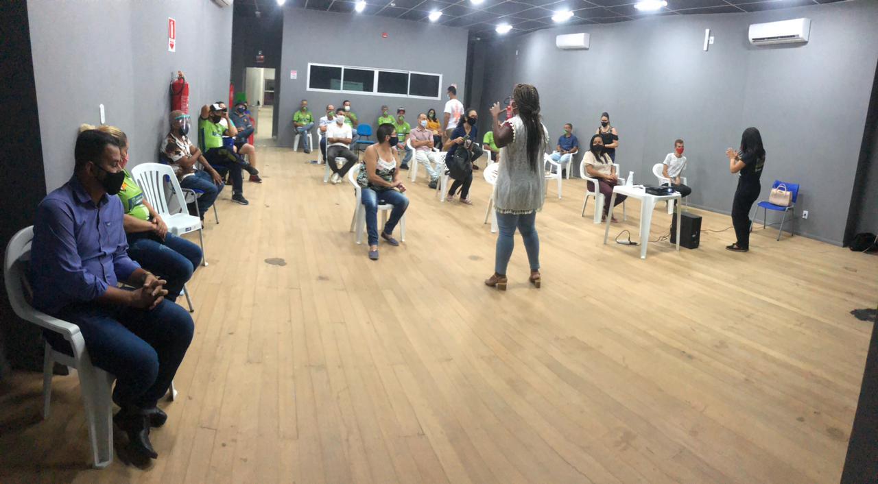 Servidores da Secretaria de Esportes de Eunápolis são preparados para inclusão da comunidade com deficiência auditiva 23