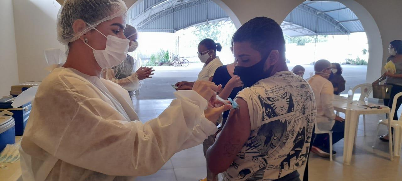 Vacinação contra Covid é intensificada em Eunápolis 23