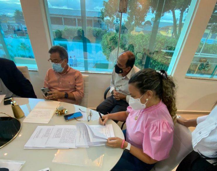 Eunápolis adere ao consórcio Regional de saúde, confirmou a Prefeita Cordelia Torres 26
