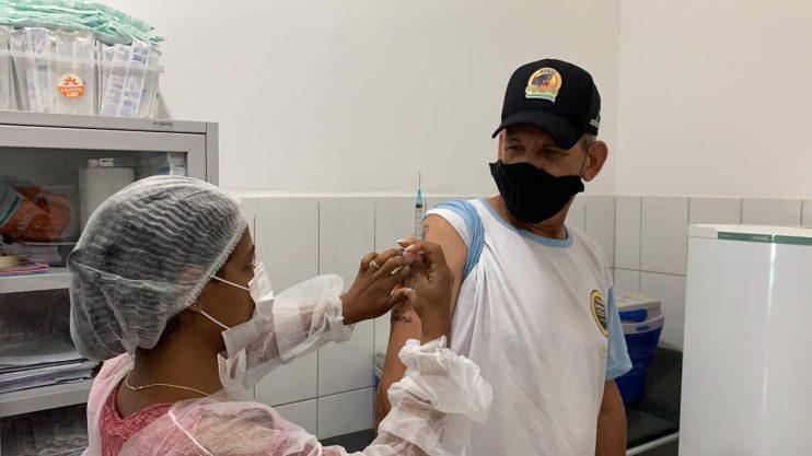 Prefeitura de Eunápolis já aplicou mais de 30 mil doses da vacina contra o Coronavírus 24