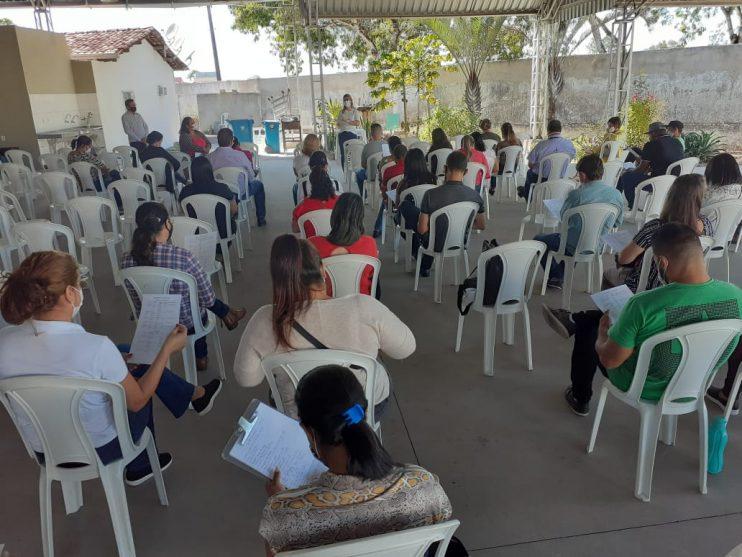 Eunápolis recebe novas doses de vacina contra covid19 e requalifica equipes de aplicação 24